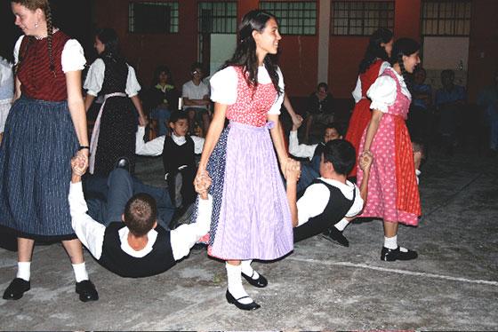 Tanzgruppe Pozuzo